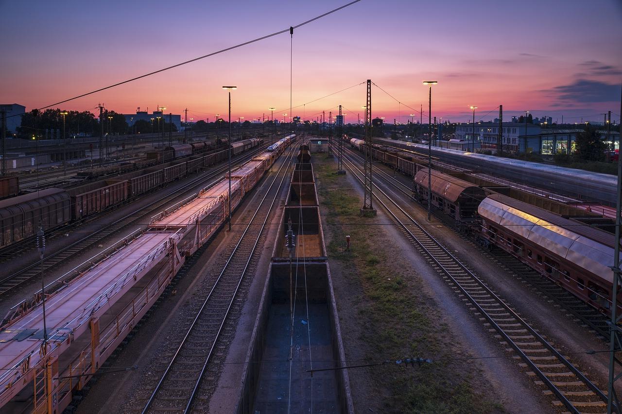 Railway Station 3595033 1280 (1)